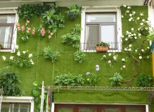 Tiểu cảnh trang trí giếng trời bằng cỏ nhân tạo