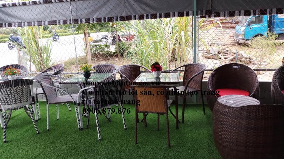 Cỏ nhân tạo quán cafe, thi công cỏ nhân tạo trang trí quán cafe quán trà sữa