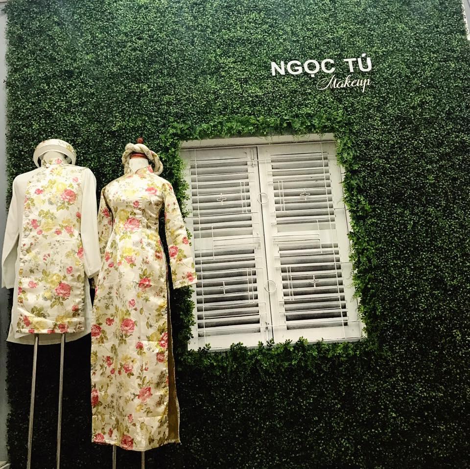 Cỏ nhân tạo sân vườn kết hợp cỏ nhựa trang trí ốp tường